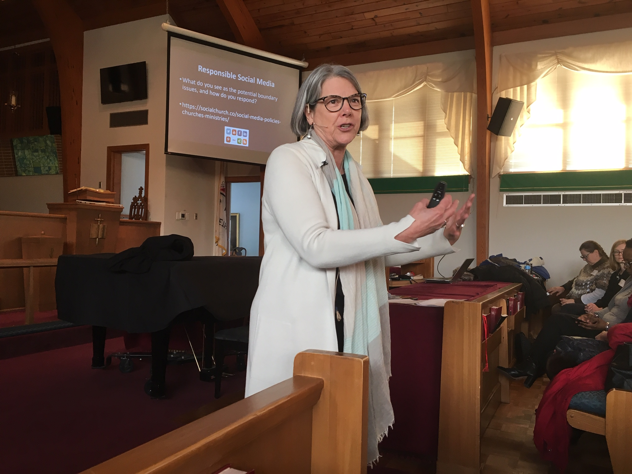 Becky Posey Williams offers training at Arnolia UMC in Baltimore. Photo by Melissa Lauber.